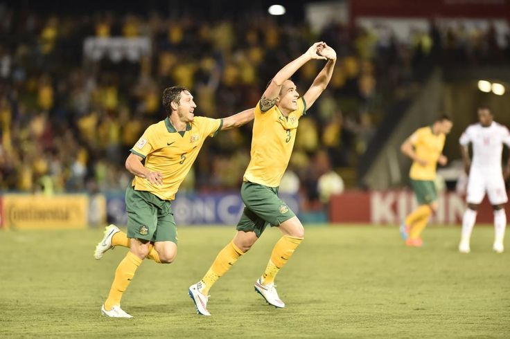 Jason Davidson scores for the #Socceroos to make it 2-0 in the semi-final of #AC2015 v UAE.