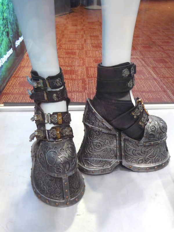Miss Peregrine's Home for Peculiar Children Emma weight boots