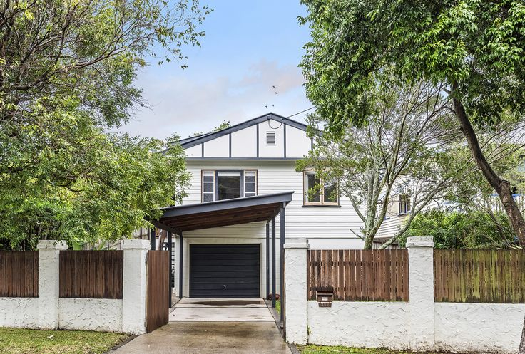 NORMAN PARK 352 Ferguson Street... Located in a popular pocket of Norman Park, this fantastic 3 bedroom renovated home has been cleverly engineered and elegantly finished throughout.