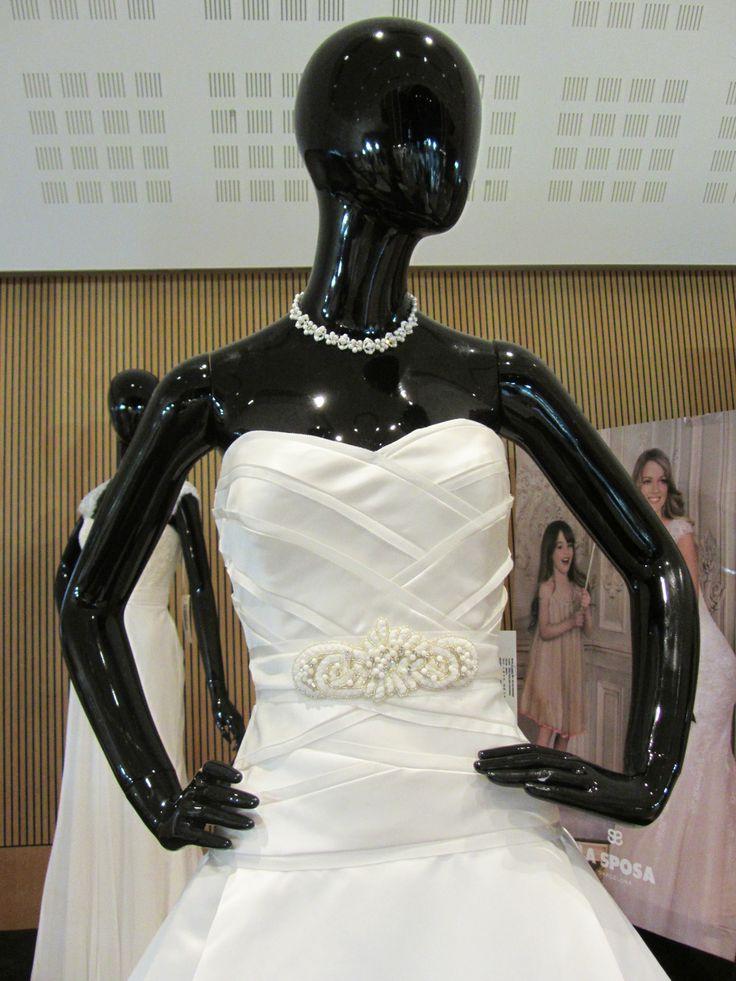 Ringo női babánk az Esküvő kiállításon az Organza Szalon ruhájában