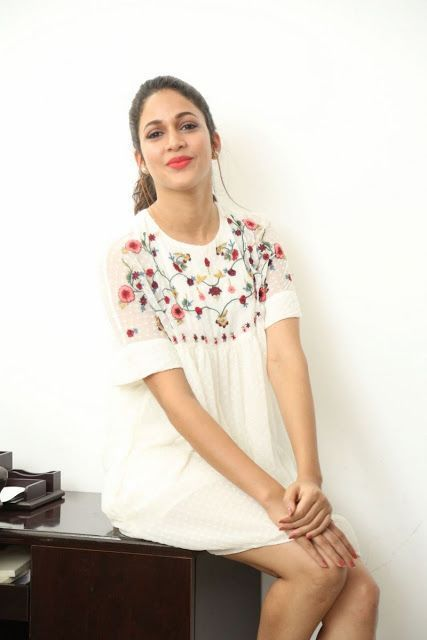 Lavanya Tripathi Latest Hot Thigh Show
