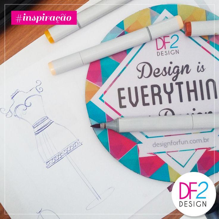 [INSPIRAÇÃO] O nosso processo de criação começa com um lápis na mão e mil ideias na cabeça. Nesta semana começamos a desenvolver inovadores e lindos cabideiros. Nossa aposta é grande para este projeto! :D #inspiração #ideias #df2design #cabideiros #inovacao #criatividade #processodecriacao (Foto: DF2 Design)