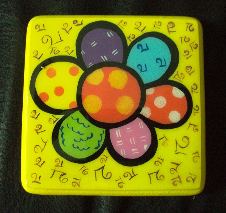 Cup holder painted in Britto estyle