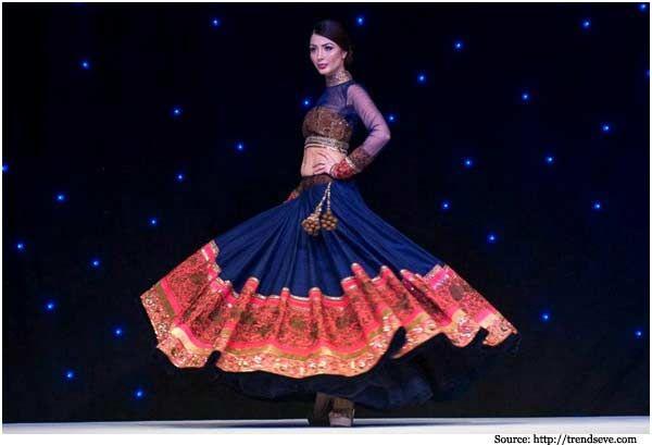 Beautiful #Lehega from @ManishMalhotra1's Bridal Collection http://www.ManishMalhotra.in/landing/