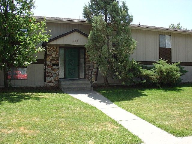 2 Bdr Apartment with Single Car Garage - Billings MT Rentals - 9408- Sec 8 accepted - Two bedroom apartment, washer/dryer hook-ups, dishwasher, A/C, and balcony! Pictures are of a similar apartment., single car garage. | Pets: Negotiable | Rent: $725.00  | Call Rainbow Property Management, Inc. at 406-248-9028