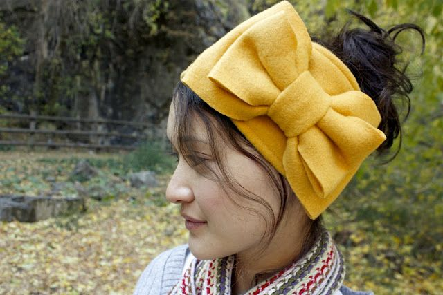 I know winter is almost over, but these ear warmers are just too cute