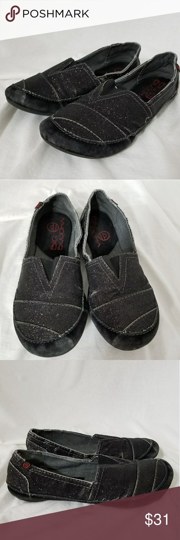 """BIG BUDDHA Sz 7.5 Black Sarkling Loafers Brand: Big Buddha  Description: *Size 7.5M Black Loafers with Sparkle and Elastic on Top of Foot *Very Comfortable Feeling *Light Fading Where the Shoes Have Actually Cracked *Bottoms are Excellent *Very Good Pre-Loved Condition  *no trades, offers via the offer button only"""" Big Buddha Shoes Flats & Loafers"""