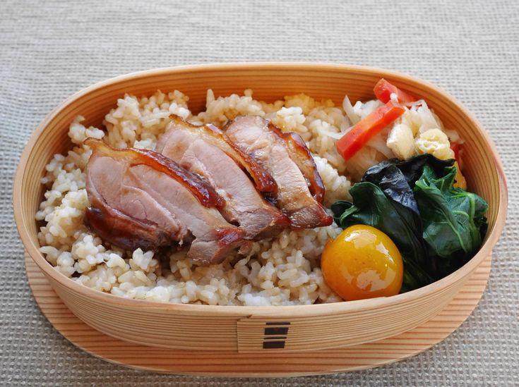 地鶏照焼重(玄米250g、切干大根炊いたん、小松菜お浸し磯部和、金柑蜜煮