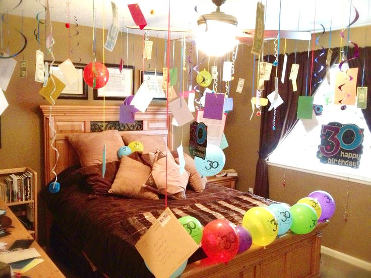 Happy birthday room decoration suprise surprise for 17th birthday decoration ideas