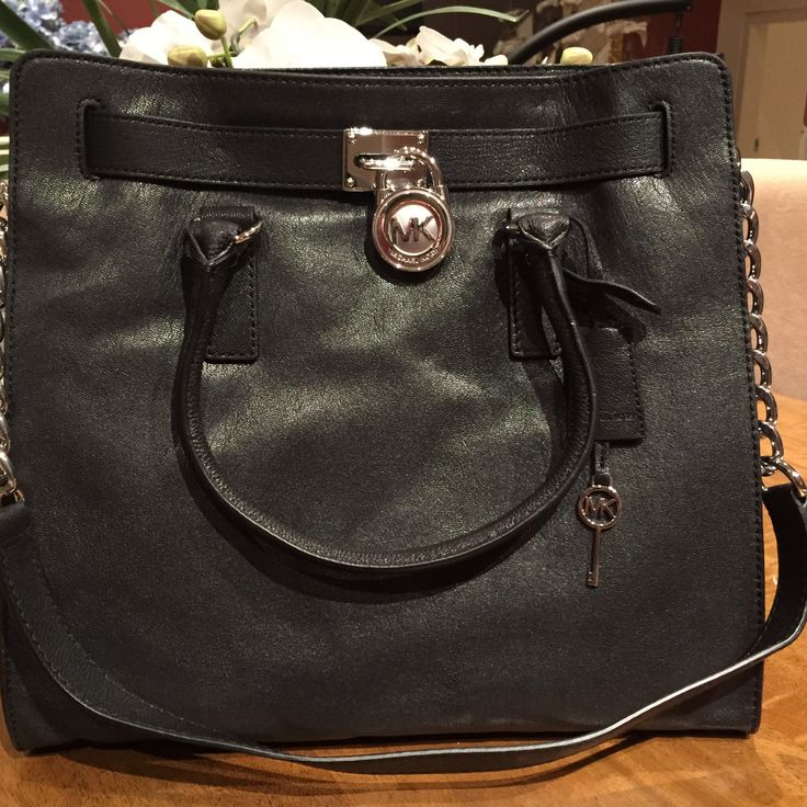 http://www.ebay.com.au/itm/NWT-GENUINE-Michael-Kors-LARGE-HAMILTON-TOTE-bag-pebbled-leather-Black-/281803503225?hash=item419ccc3679