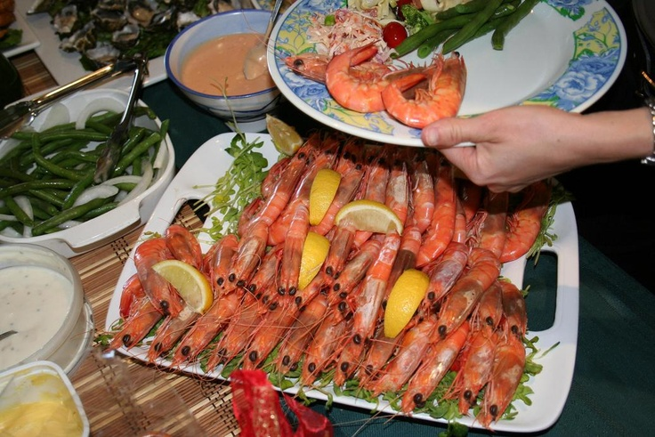 Repin if your family has prawns on Christmas Day! #prawns #Aussie #Christmas #summer #hot