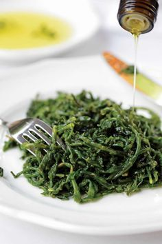 CRETAN FOOD:Cretan greens with oil and lemon!! #Pervola #Cretan #Cuisine