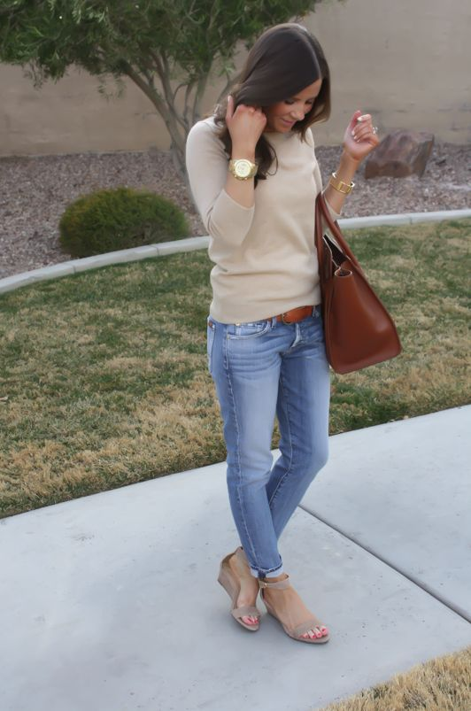 thenortheastgirl.com taupe sweater, faded jeans, leather belt, wedge sandals, gold watch,leather bag, spring or fall, brunette