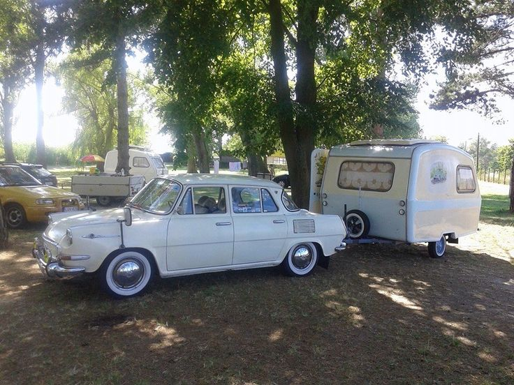 Skoda MB1000 with Camptrailer