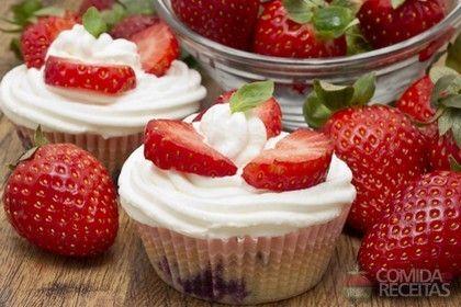 Receita de Mini muffin de morango em receitas de tortas doces, veja essa e outras receitas aqui!