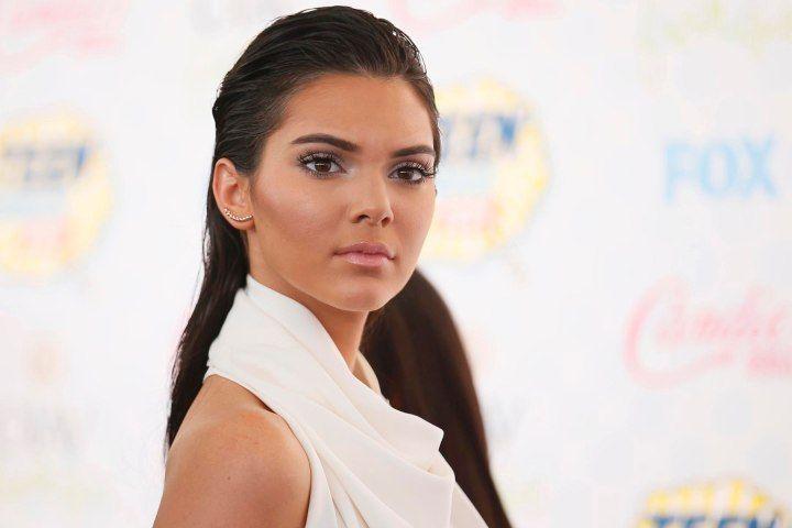 Kendall Jenner Measurements #KendallJennerMeasurements #KendallJenner #celebritypost