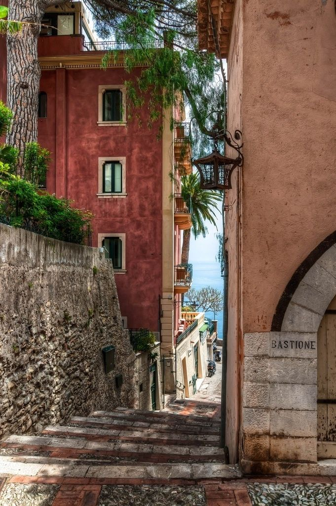 Taormina, Sicily. This was one of my favourite parts of Taormina, getting lost in the peaceful back streets.