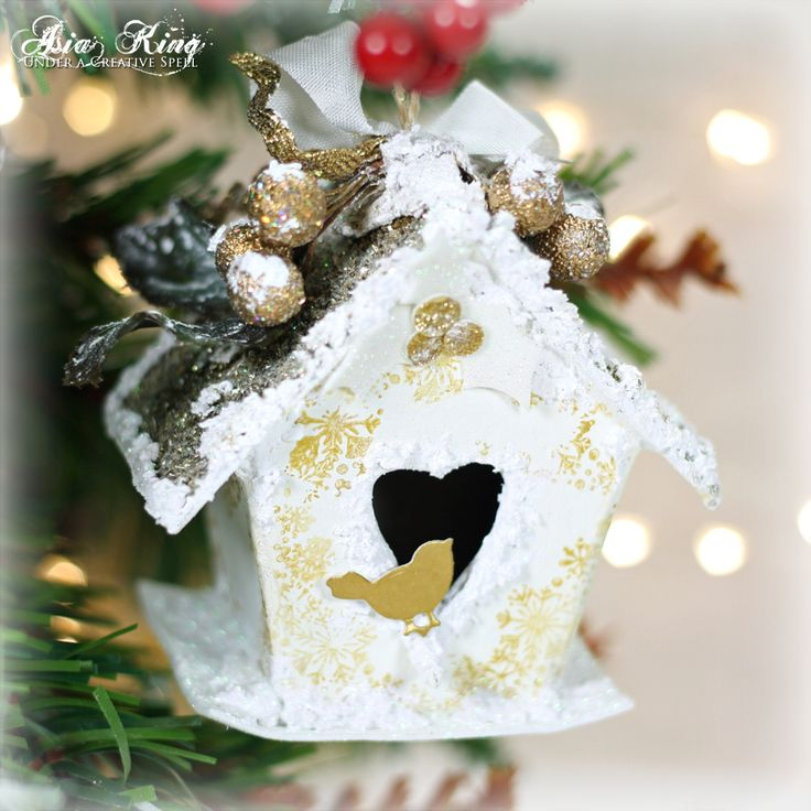 Under a creative spell: Home For Christmas - Sweet Birdhouse Ornament