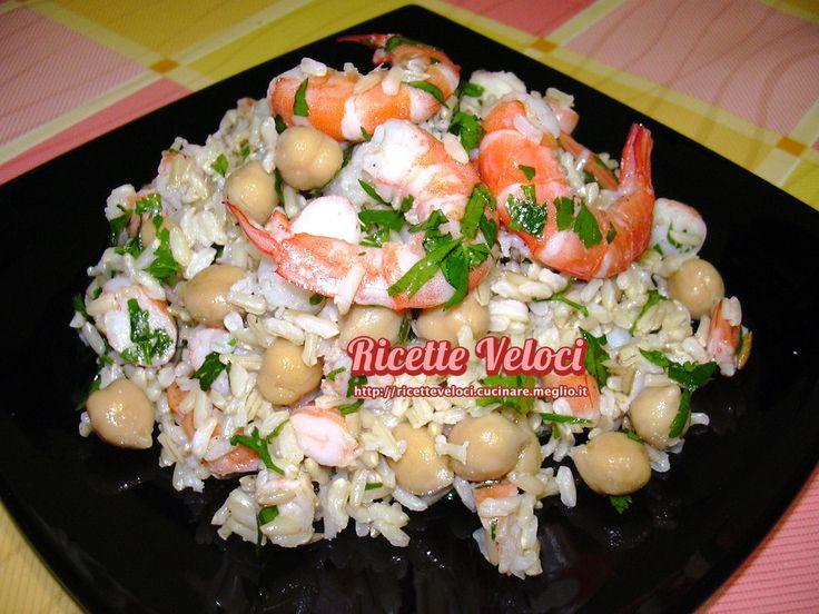 Insalata di riso thai integrale con mazzancolle e ceci