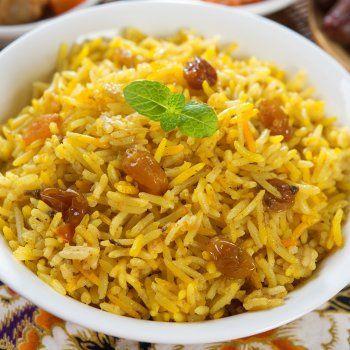 Cómo hacer un tradicional arroz navideño http://www.guiainfantil.com/recetas/recetas-de-navidad/arroz-navideno-recetas-tradicionales-faciles/