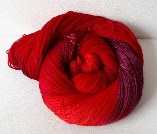 """Handgefärbt - """"Roter Granat"""" Fine Merino Socks 4-fach - ein Designerstück von Frau-Odersocke bei DaWanda"""
