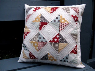 Cute hometown pillow: Colors Combos, Quilts Inspiration, Cute Pillows, Pillows Ideas, Quilts Pillows, Quilting Inspiration, Throw Pillows, The Blocks, Quilts Projects