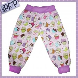 LilliPOP barnkläder. LilliPOP byxor med cupcakes i lila.