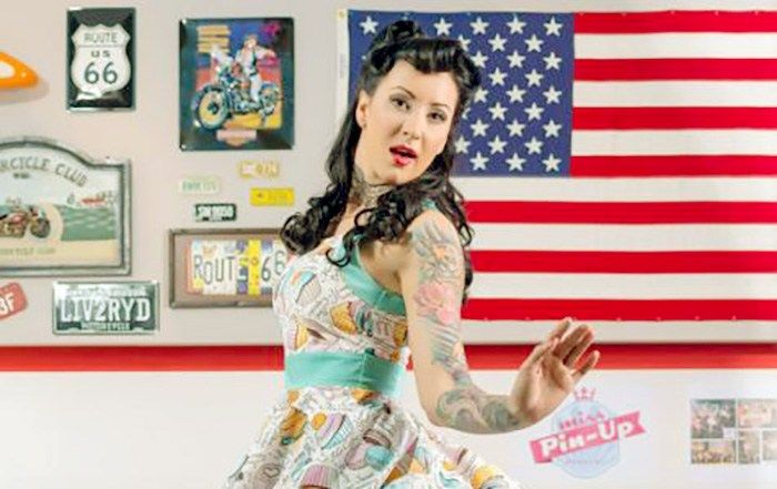 Pink Code: pin-up, rockabilly, retro chic, vintage