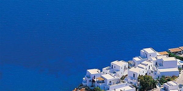 Anemomilos Apartments in Greece: Cycladic style on the clifftop of Folegandros, one of Greece's tiniest islands.