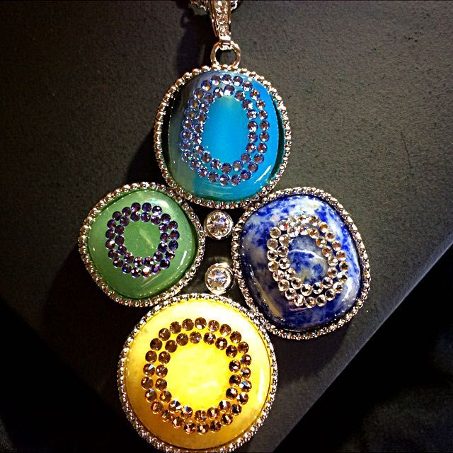🌺💎MAKE A STATEMENT,STUNNING NWT LADIES NECKLACE💎🌺 on Carousell