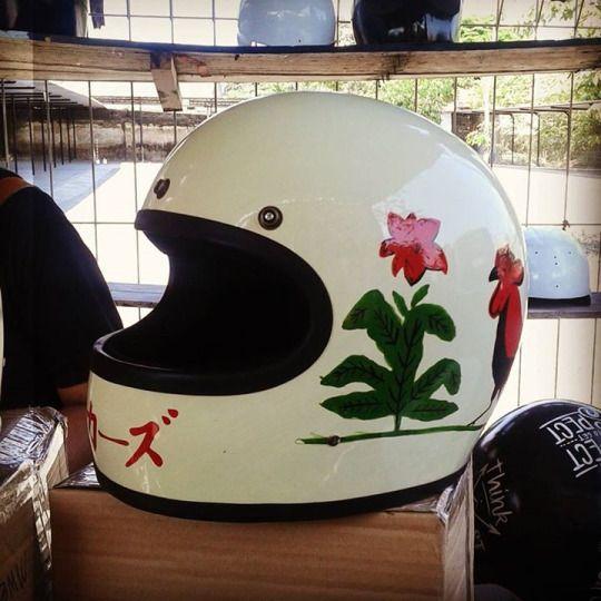 Helm Mangkok Ayam!