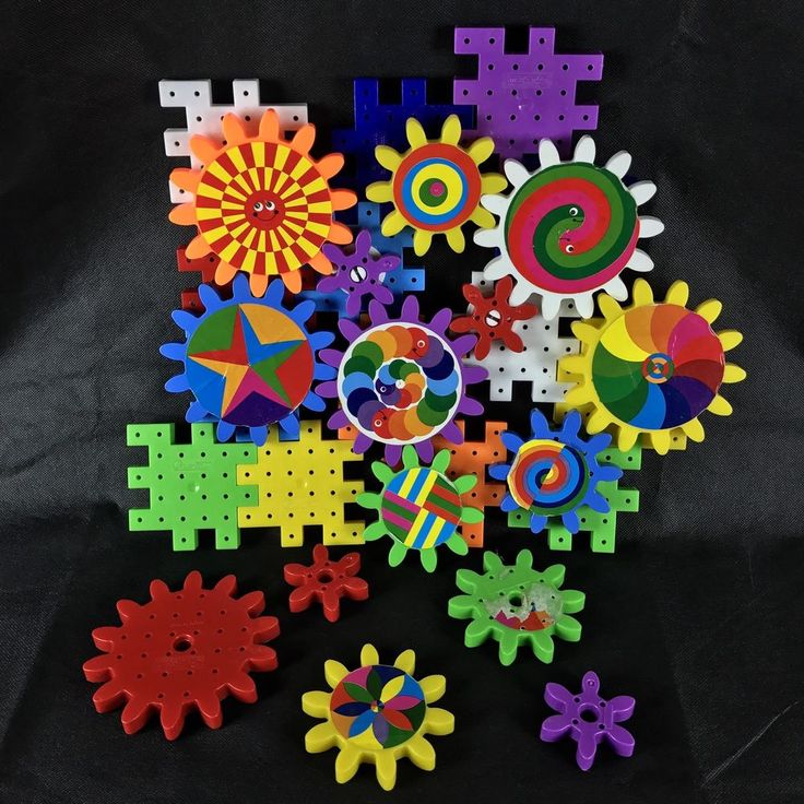 Georello Kaleidogears Quercetti gears set approx 30 pieces from italy build play