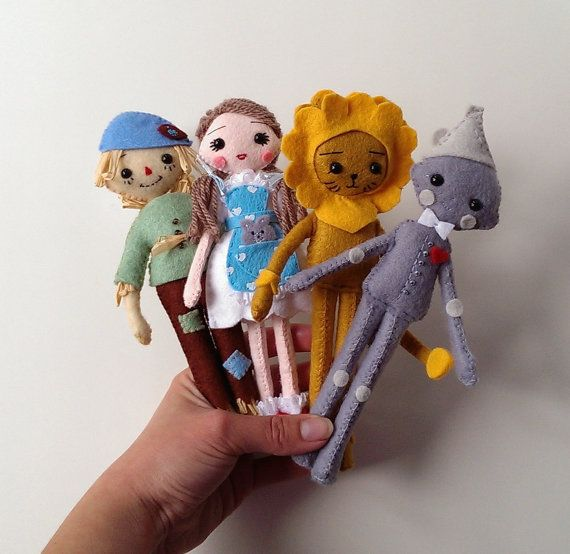 The Wizard of Oz dolls. Dorothy doll, Scarecrow doll, Lion doll, Tin man doll. Classic fairytale toys. Christmas gifts.