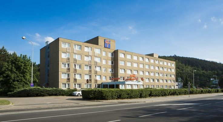Orea Hotel Voronez 2 Brno The Orea Hotel Voronez 2 is situated in Brno, 650 metres from the Brno Exhibition Centre, and offer an a-la-carte restaurant as well as conference facilities. Free WiFi is available and the reception is open for 24 hours.