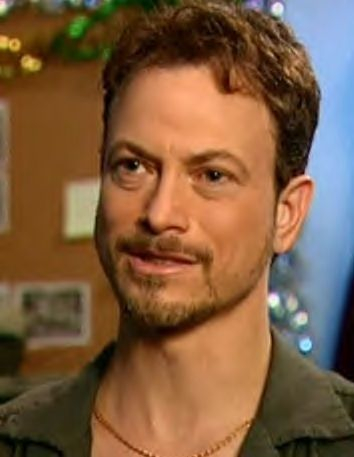 I haven't seen this one other!  ----  Gary Sinise - never saw this one.. I kind of like the beard! :) - JP