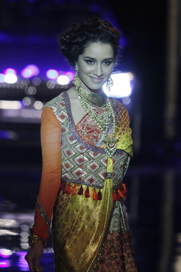 Shraddha Kapoor @ Indian Bridal Week