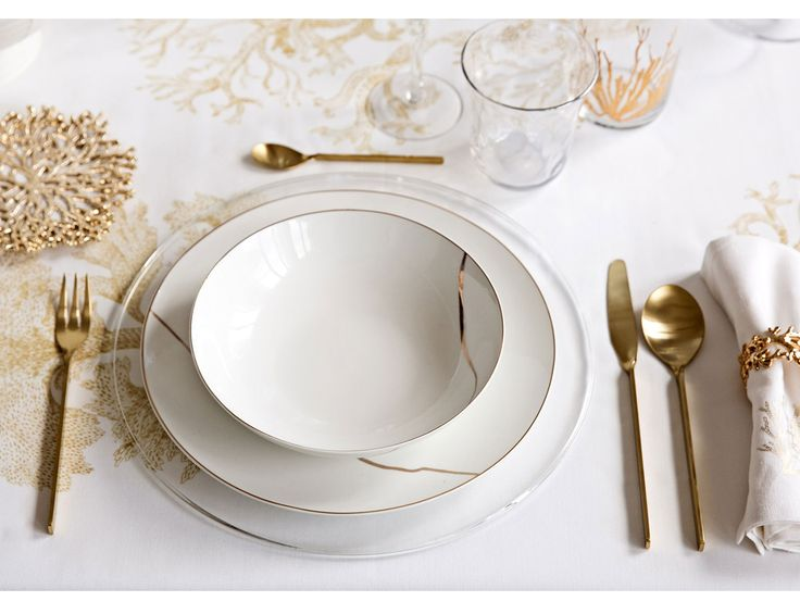 White & Gold Lookbook - Assiettes et couverts | Zara Home
