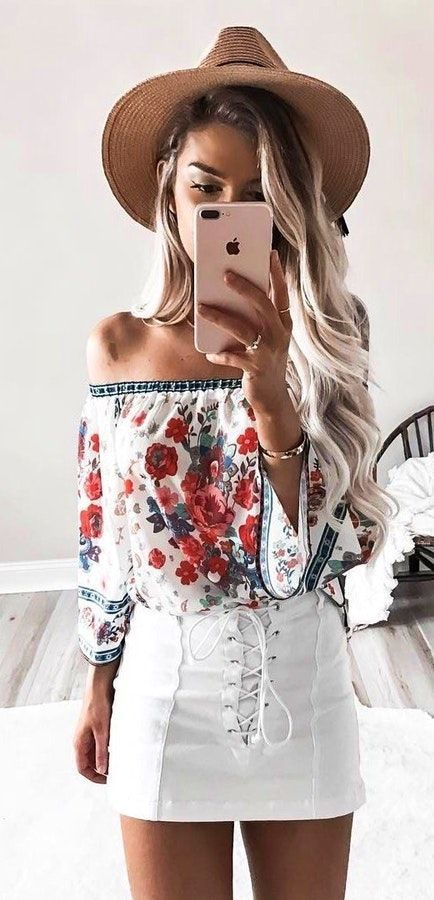e252586d5777  Summer  Outfits Brown Hat + Floral Off The Shoulder Top + White Lace-up