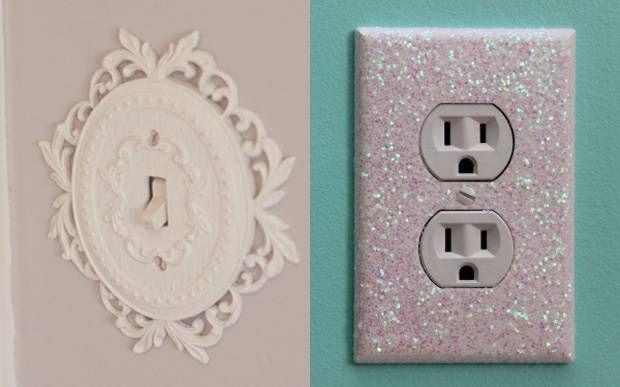 Você pode usar papel, adesivos, pinturas e fitas pra deixar o interruptor do quarto com a sua cara.