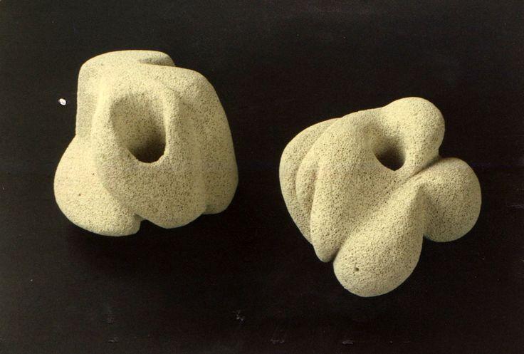 """Bozzetti per sculture """"organiche"""", cemento soffiato, classe 3B, anni '90. sez. Decorazione plastica, Istituto statale d'arte """"Stagio Stagi"""" Pietrasanta."""