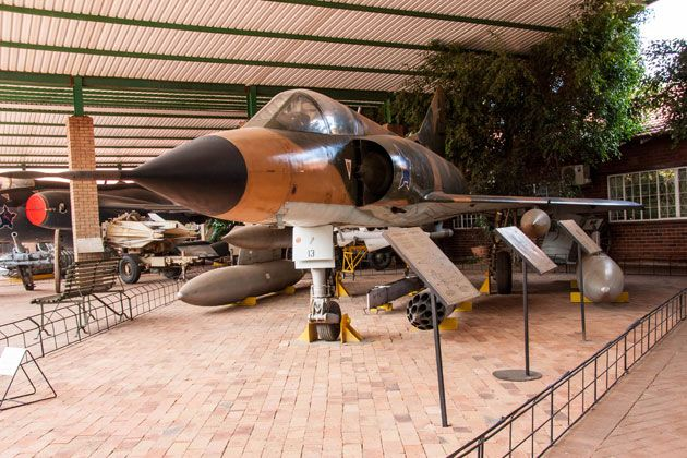 Dassault Mirage Fighter Bomber, France 1960 – 1992  http://citysightseeing-blog.co.za/2014/06/07/ditsong-national-museum-of-military-history-johannesburg/