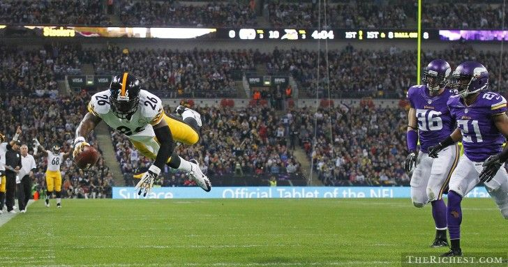 Top NFL running backs of 2013 - http://www.therichest.com/sports/football-sports/top-10-nfl-running-back-bargains-of-2013/