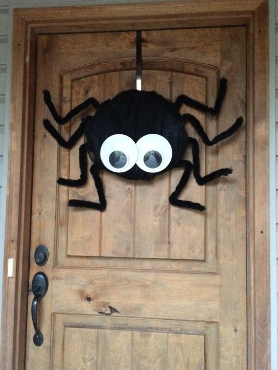 Spider Deco Mesh Googly Eyes Furry Legs Wreath #BayouBurlapandBling