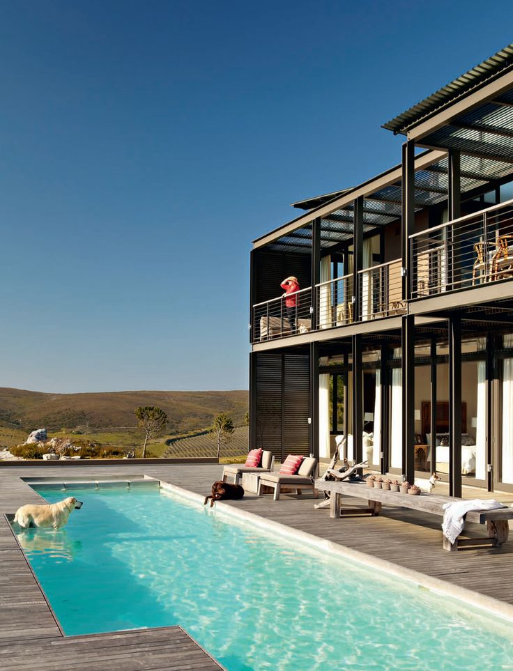 House and Leisure, 'Mountain Magic', Issue 230 October 2013 pg 04 - Charles van Breda Architects