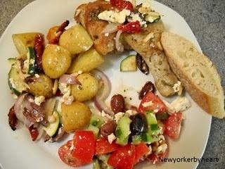 Græsk kylling med feta, squash, tomat