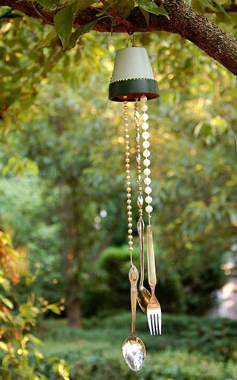 Pot chime with bead accents