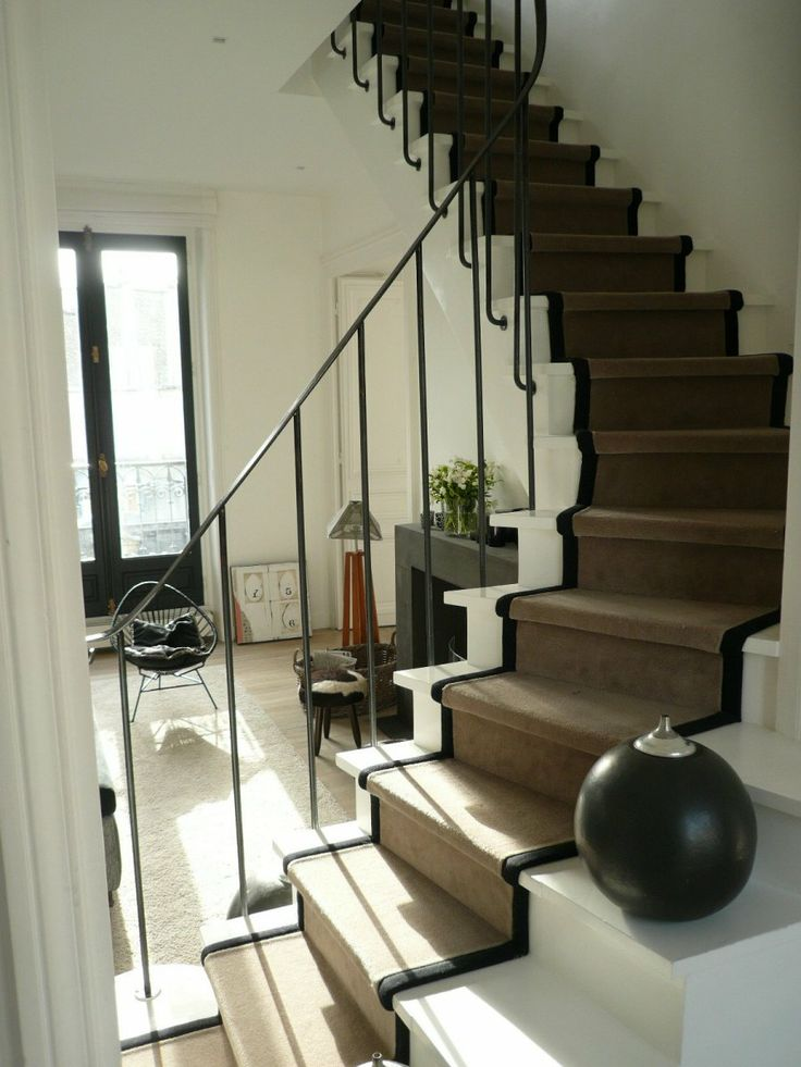 1000 ideas about tapis d escalier on pinterest stair. Black Bedroom Furniture Sets. Home Design Ideas