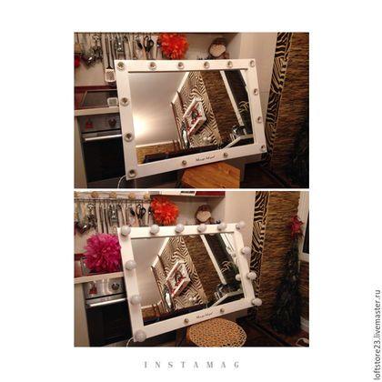 Купить или заказать Гримерное зеркало WITHE GLOSS в интернет-магазине на Ярмарке Мастеров. Гримерное зеркало WITHE GLOSS. Размер 100 см на 70 см. Материал: сосна, мдф. Покрытие акриловая глянцевая краска. Дополнительно оплачиваются функция 'ночник' и 'пиши'. Горизонтальное подвешивание на стену. Возможно окрасить в более ста оттенков палитры. (краска tikkurila). Зеркало на 12 ламп + 2 ночника. Провод 2 метра. Два тумблера включения. Данное зеркало подходит для установки в ванн...