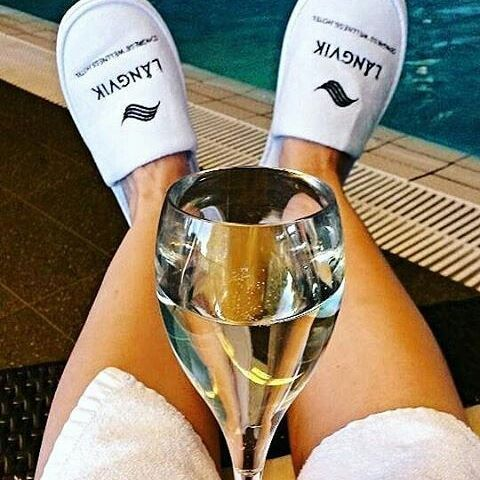 #Repost @siniel_la with #spa #cava #justchillin #relaxing #qualitytime #langvikhotel http://www.langvik.fi/