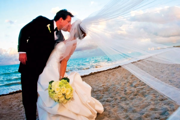 The Official VISIT FLORIDA Specialist Course: Destination Weddings & Honeymoons